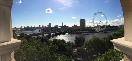 The Royal Horseguards: Panorama view