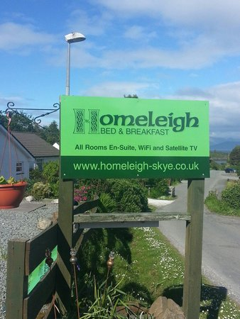 Homeleigh Bed & Breakfast: Signage