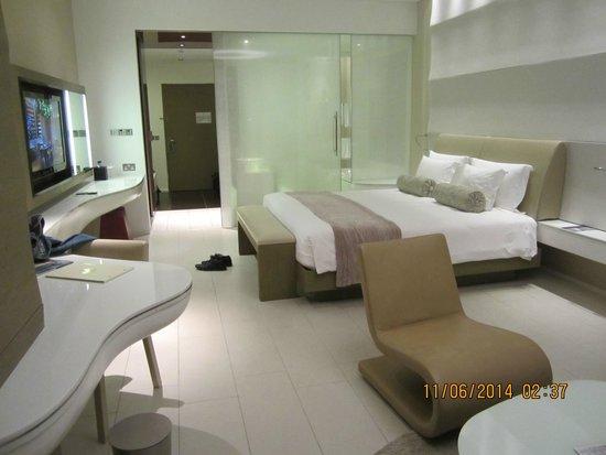 Yas Viceroy Abu Dhabi: Room