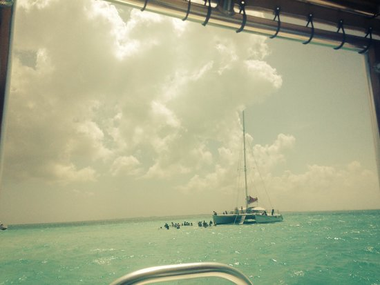 The Ritz-Carlton, Grand Cayman: snorkel trip through hotel