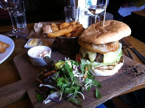The Punch Bowl Inn: Outfacing Burger