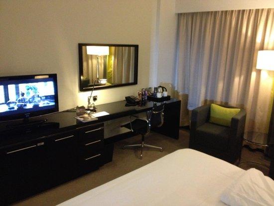 Pullman Dubai Creek City Centre : Room