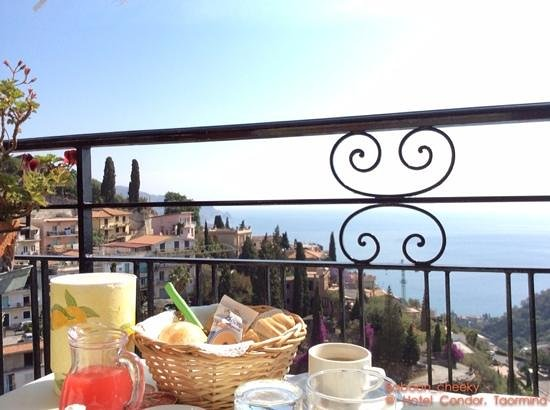 Hotel Condor : View from breakfast terrace