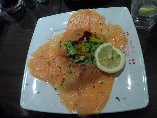 Le Chalet Savoyard : Assiette de saumon/salade en remplacement de la cochonnaille