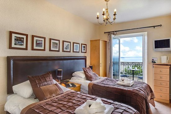"""The Downs, Babbacombe: Room 12 - a lovely 2nd floor sea view balcony room, with superking (6"""") bed which can also be a"""