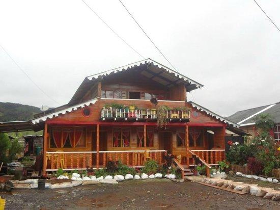 Casas con flores y colores picture of la laguna de la - Casas en la laguna ...