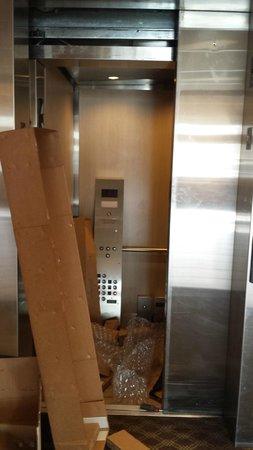 Studio 6 El Paso: working on elevator