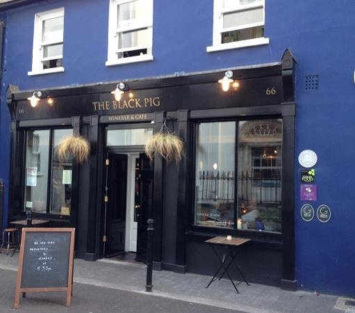 The Black Pig Winebar: From the front
