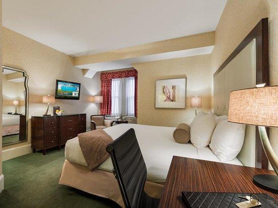 Wayne Hotel: King Deluxe Guest Room
