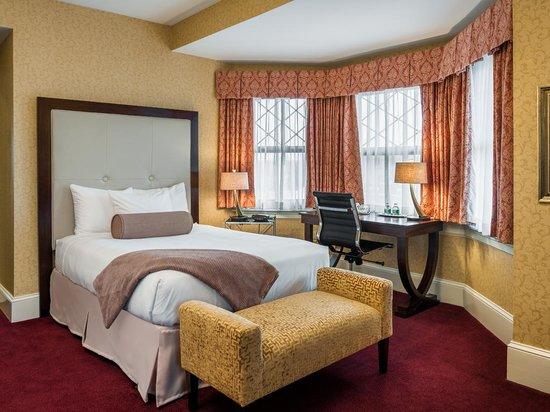 Wayne Hotel: Double Deluxe Guest Room