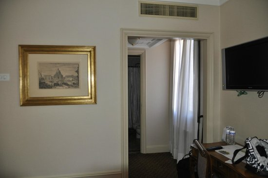 The Westin Europa & Regina, Venice: hall between bedroom and bath; closet