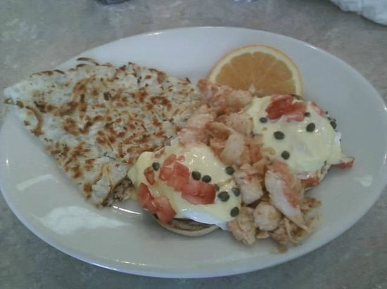 The Smokejumper Cafe: Eggs Benedict with LOBSTER!