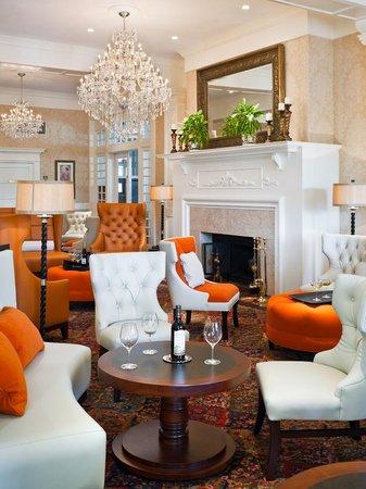 Wayne Hotel Lobby Lounge