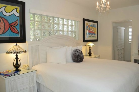 Sobe You Bed and Breakfast : Deluxe King Suite with pool view