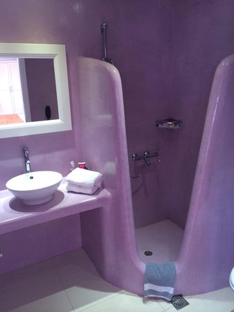 Tzekos Villas: Jacuzzi suite bathroom