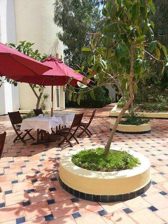 Medina Solaria & Thalasso : gezellige patio