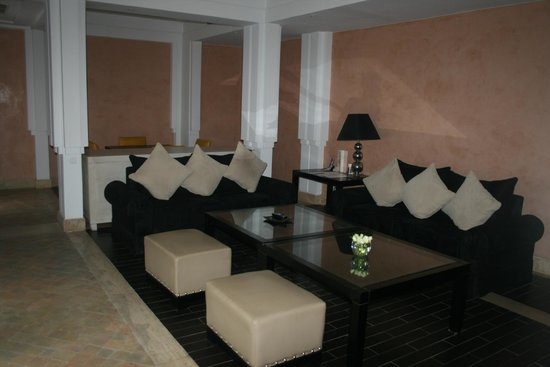 Hôtel & Ryads Barrière Le Naoura Marrakech : интерьер