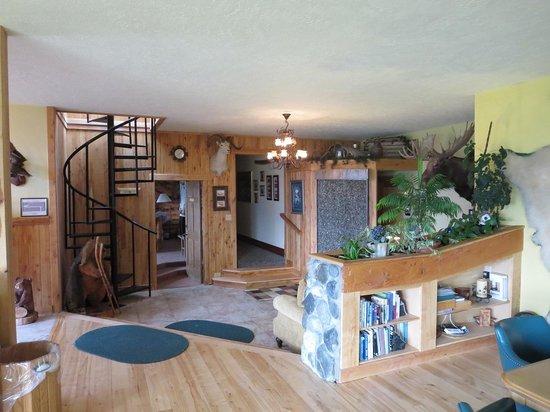 Pioneer Ridge Bed and Breakfast Inn : Inside the house