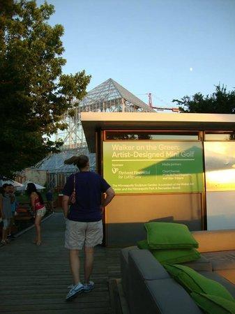 Minneapolis Sculpture Garden: Mini-golf