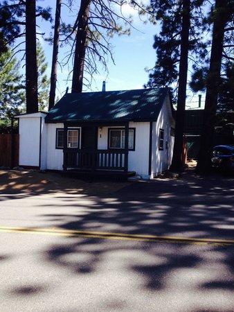 Doc's Cottages: Cabin 1