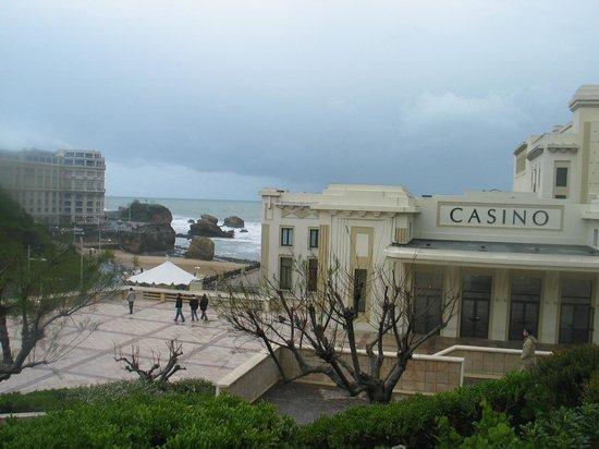 Rocher de la Vierge : Biarritz, il casino sul mare, attrazione naturale per i suoi amatori