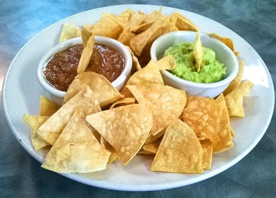Sunset Grill: Homemade Chips, Salsa & Guacamole