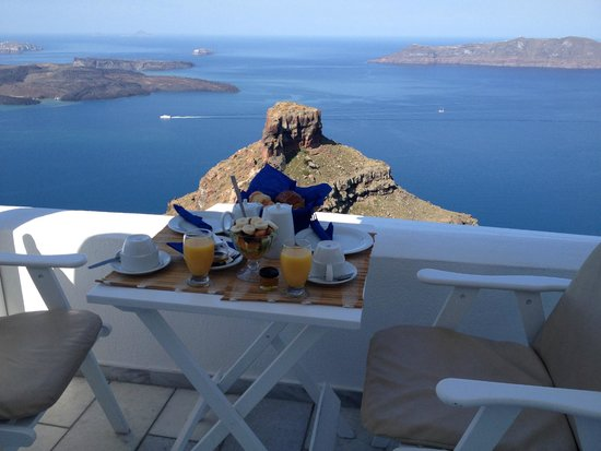 A View Of Skaros Rock From 'Iliovasilema Suites' Imeovigli.
