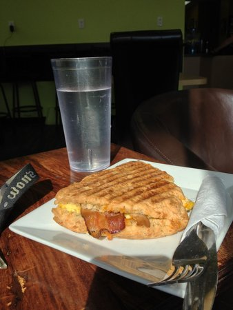 Xanders Coffee: Yummy breakfast scone!!!