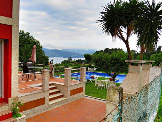 Apartamentos Naturmar: Terraza piscina