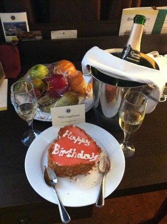 Petro Palace Hotel: birthday present