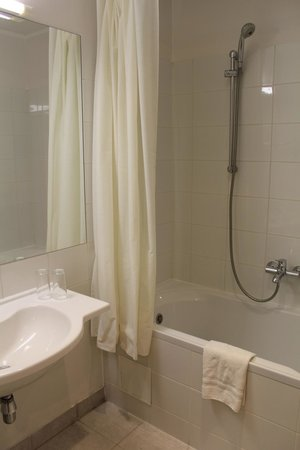 Days Hotel Riga VEF : Ванная комната