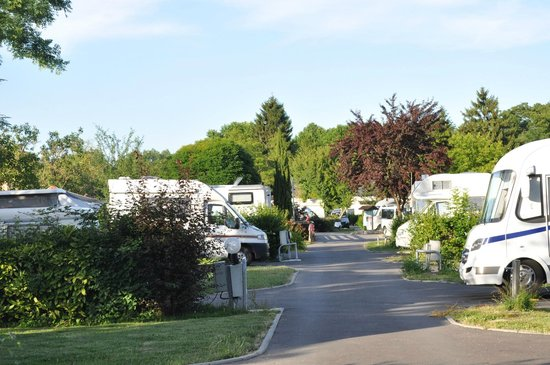 Camping Le Beau Village de Paris : espace mobile home
