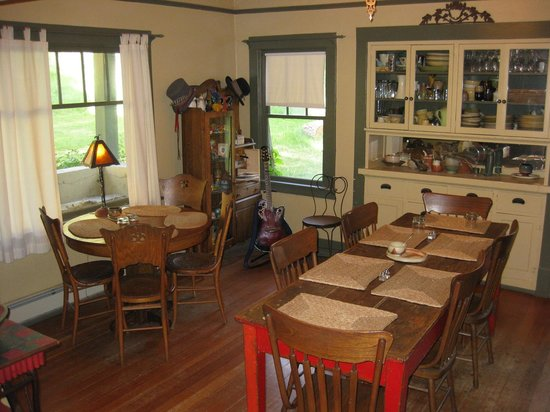 Four Mile Creek Bed and Breakfast : Dining area