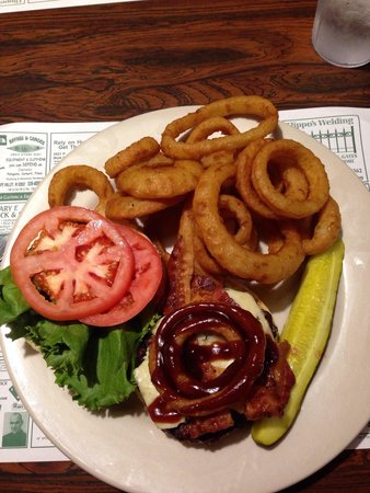 Boucher's Wood River Inn : Rodeo burger