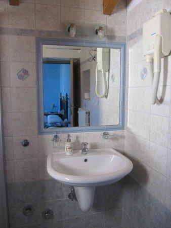 Ganimede Hotel : Bathroom