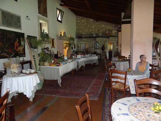 Villa dei Papiri: pièce du petit déjeuner (buffet copieux)