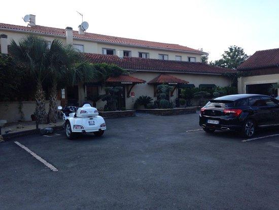 Restaurant Minvielle : Car park