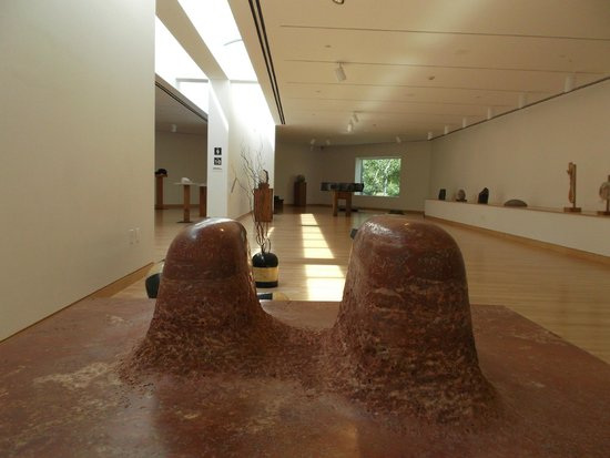 Noguchi Museum : inside - space and shapes