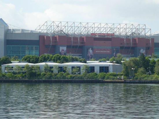 Imperial War Museum North: Closed to Man.Utd stadium