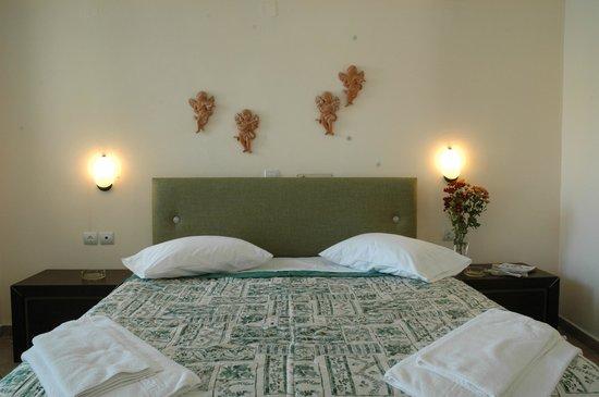 Santa Maura Studios & Apartments: beds