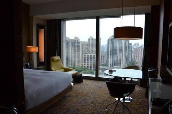 The Langham Shanghai Xintiandi: Chambre 22 eme