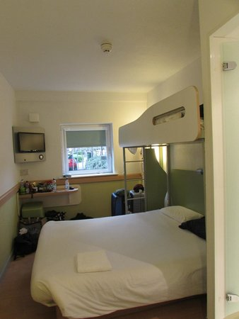 Hotel ibis budget Cardiff Centre : Double with Bunk