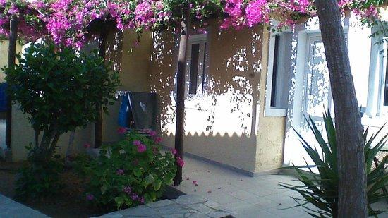 SENTIDO Vasia Resort & Spa : chemin menant à la piscine