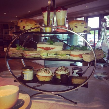 Cottons Hotel & Spa: Afternoon tea
