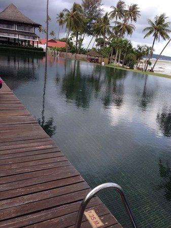 The Vijitt Resort Phuket : Swimming pool.