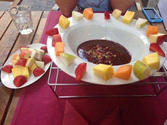 Fondue House : The chocolate fondue