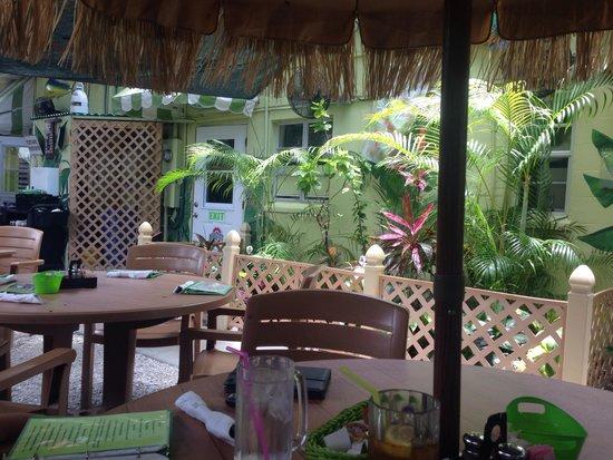 Sweet Sage Cafe : Garden