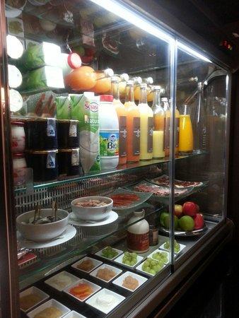 Park Hotel Grenoble - MGallery Collection: Produits haut de gamme au petit déjeuner