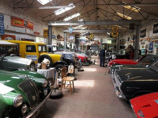 Llangollen Motor Museum: Inside the motor museum