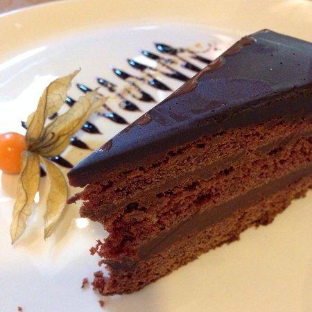 El Burladero : Chocolate cake